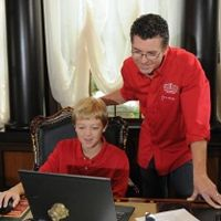 Papa John's John Schnatter Makes First Ever Online Pizza Order