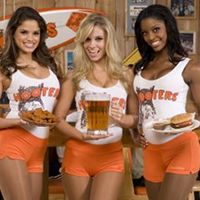 Hooters | RestaurantNews.