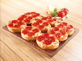 Pizza Hut Introduces Garlic Bread Pizza